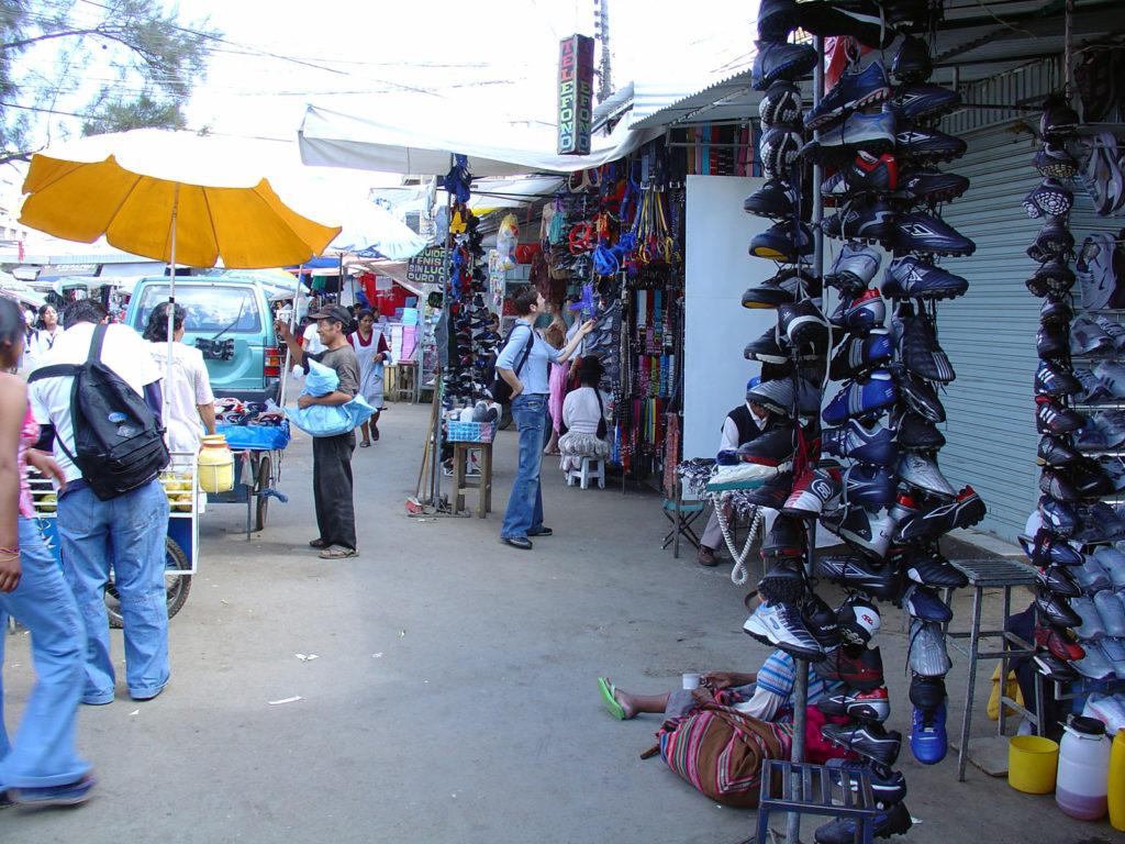 Mercato la Cancha Bolivia2