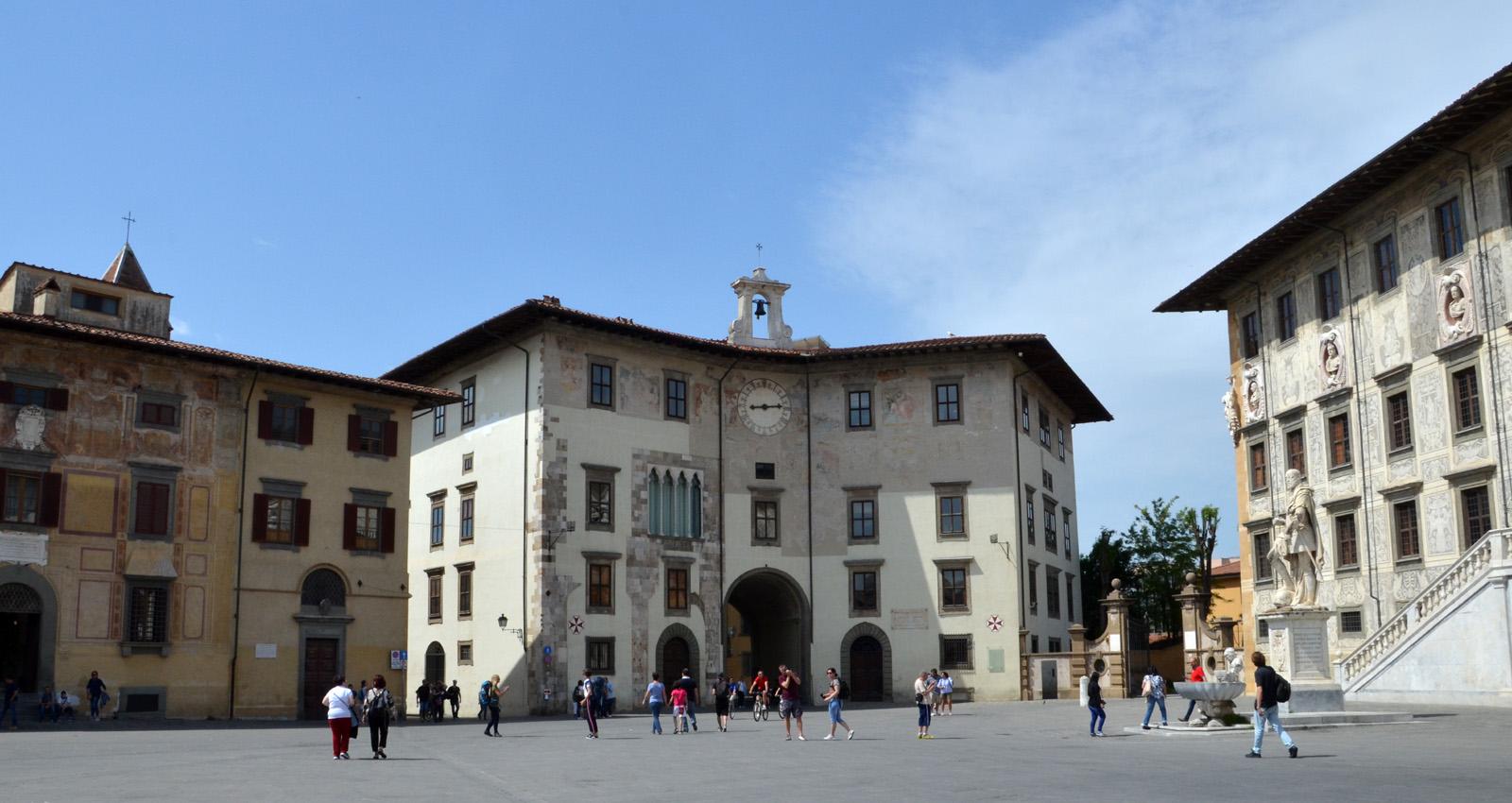 Palazzo dell'orologio Pisa