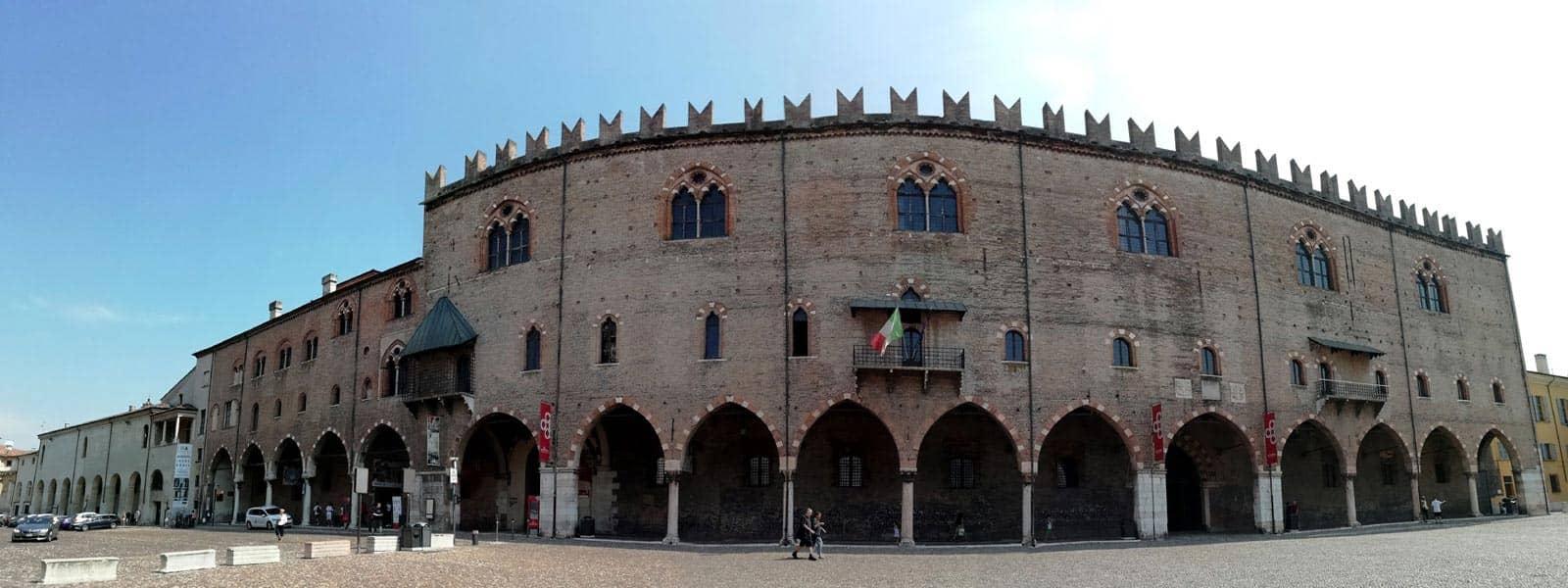 Mantova-piazza