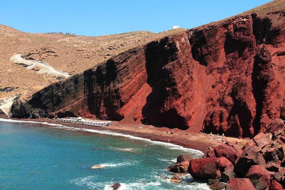 spiaggia red beach santorini 1