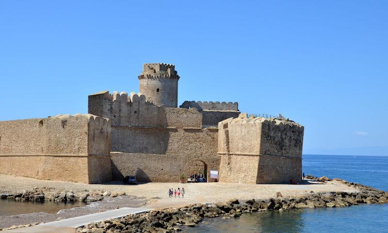 Le Castella la Forteza Aragonese 3