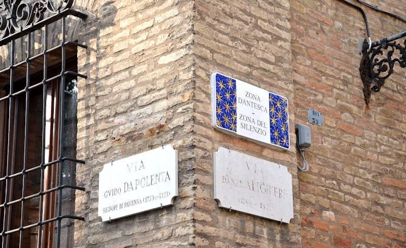 La tomba di dante a Ravenna