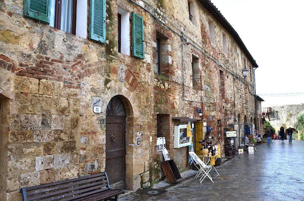 La corona turrita di Monteriggioni 7